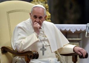 2015-annee-de-voyages-pour-le-pape-peut-etre-pas-encore-en-France_article_popin